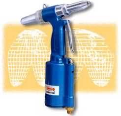 气动铆钉枪AR011S小型、轻量、作业速度快、效率高。